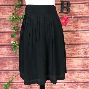 Banana Republic Skirt 6 Black Silk Pleated Knee